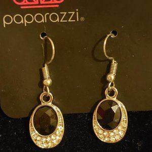 Paparazzi Fishhook Earrings.